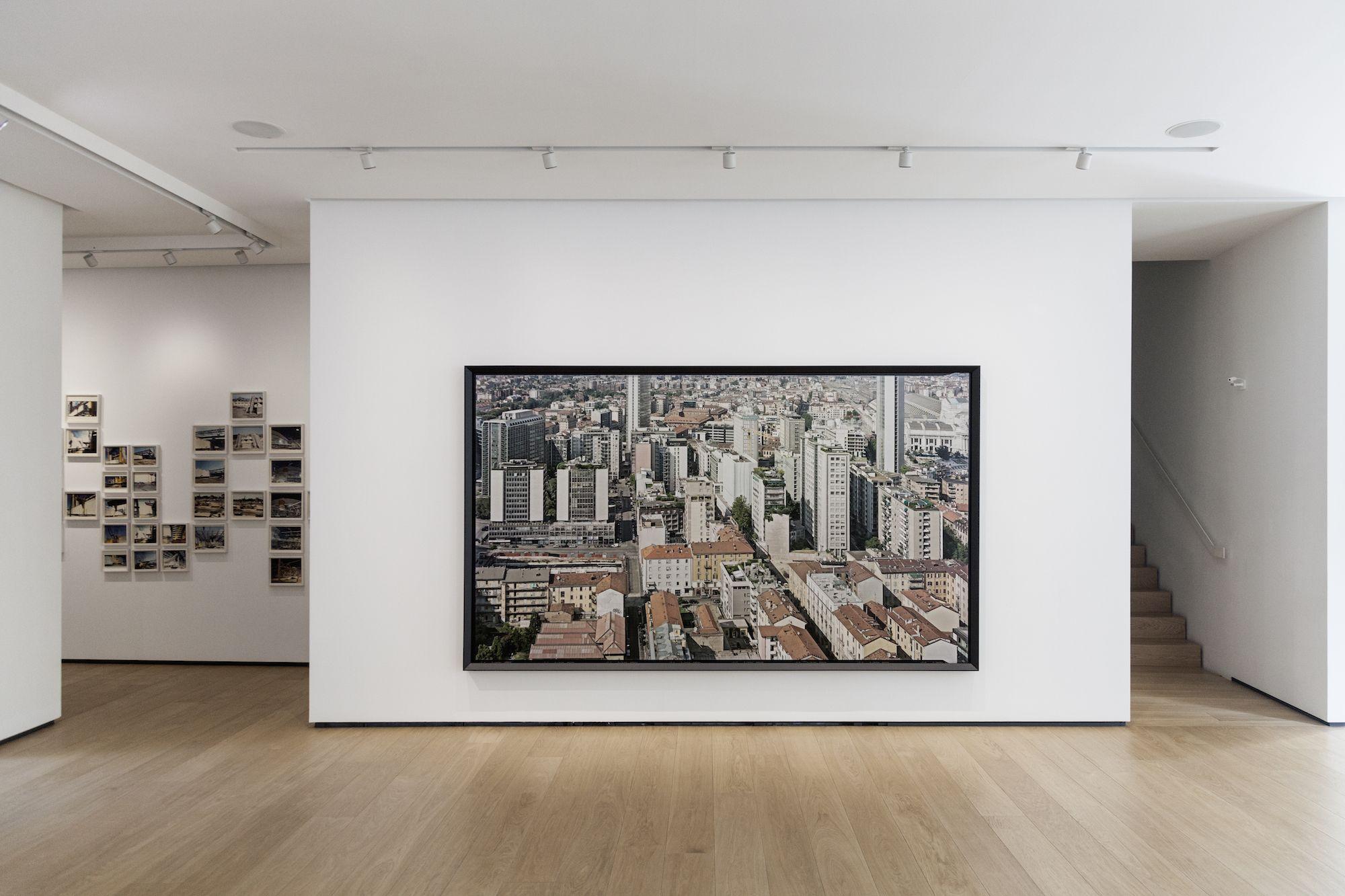 Vincenzo Castella, Milano, installation view